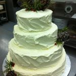 pine cones on wedding cake